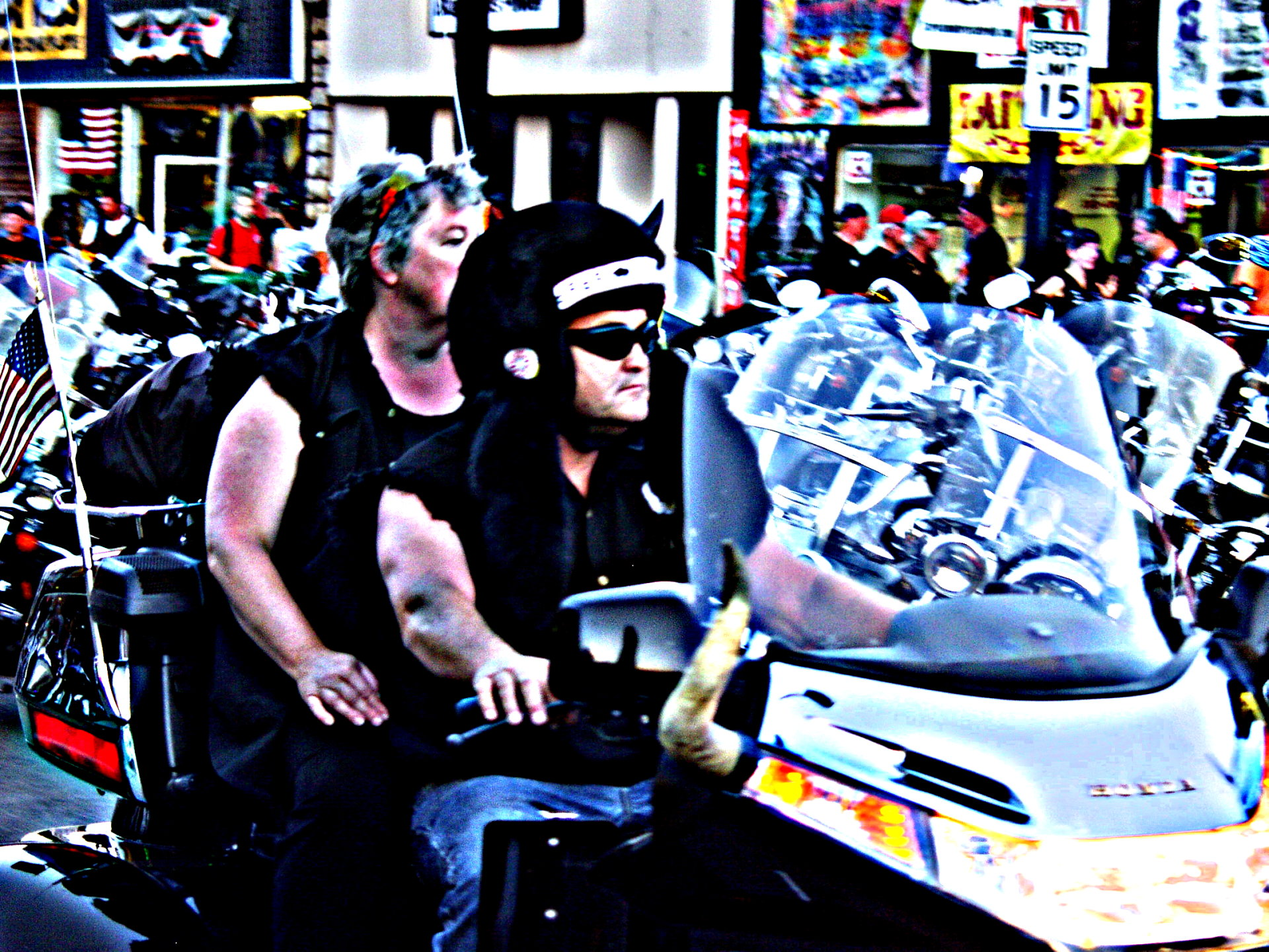 Buffalo hat bikers